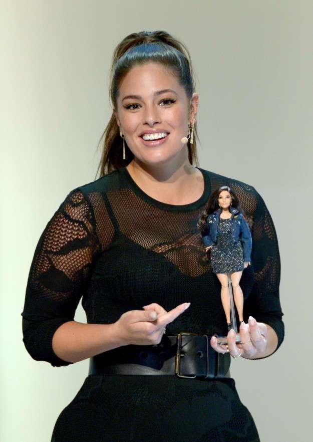 Модель размера плюс Эшли Грэм — теперь в виде куклы Барби