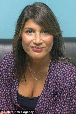 Ей 54, но все принимают ее сына за бойфренда