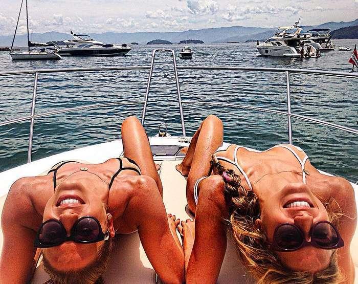 Сексуальные бразильские синхронистки-близнецы