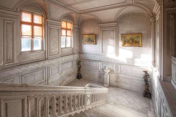 Заброшенный бельгийский замок