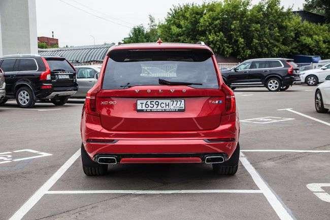 Тест-драйв: Volvo XC90 T6 R-Design