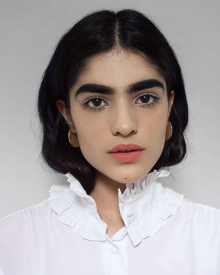 Девушка с самыми широкими бровями в мире стала моделью