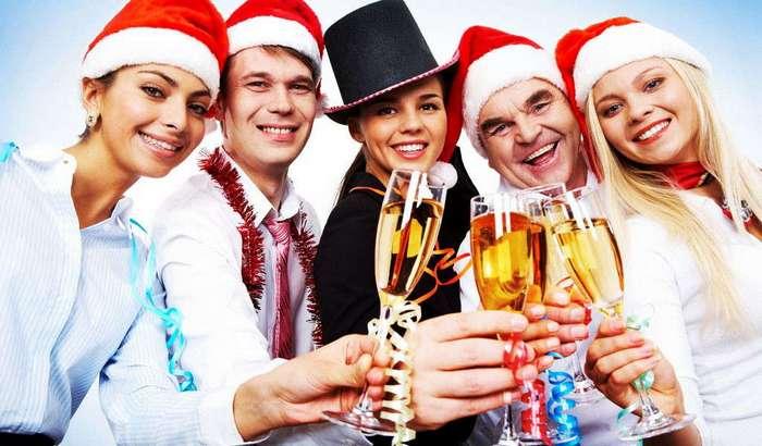 Россия - огромная страна, с кучей часовых поясов и Новый год можно встречать много-много раз