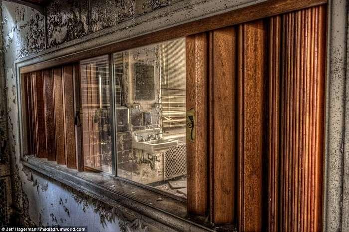 Былая роскошь: фото некогда помпезного заброшенного особняка сына одного из совладельцев Coca-Cola