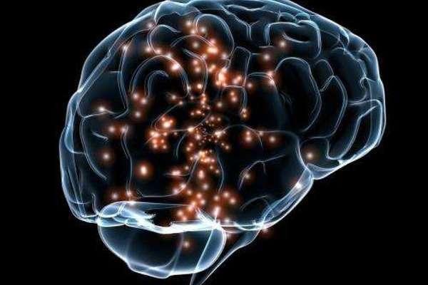 Мозговой имплант дал возможность парализованной пациентке общаться силой мысли