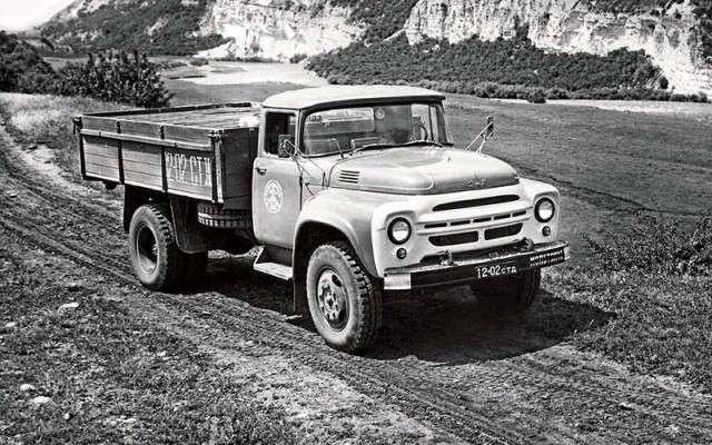 ЗИЛ-130: вспоминаем жизненный путь легендарного грузовика