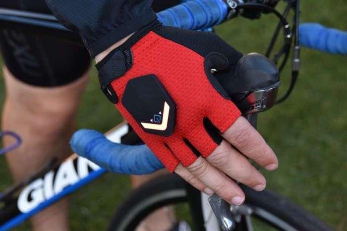 Перчатки-поворотники для велосипедистов, которые заботятся о безопасности на дороге