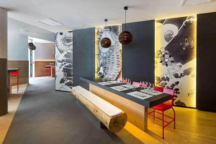 Интерьер японского ресторана во Франции в татуировках якудза