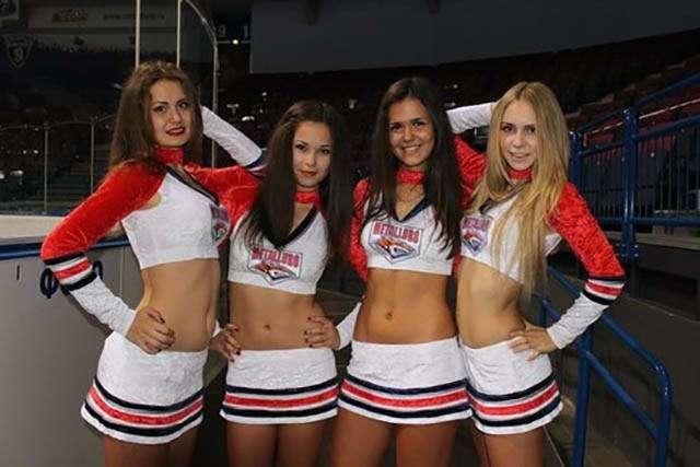 Красивые девчонки из групп поддержки