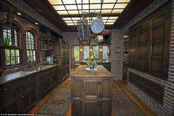 Пара купила заброшенный особняк за один доллар, а теперь он стоит 2,4 миллиона долларов