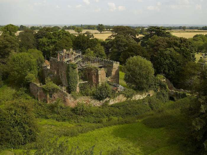Превращение старого замка в современный дом