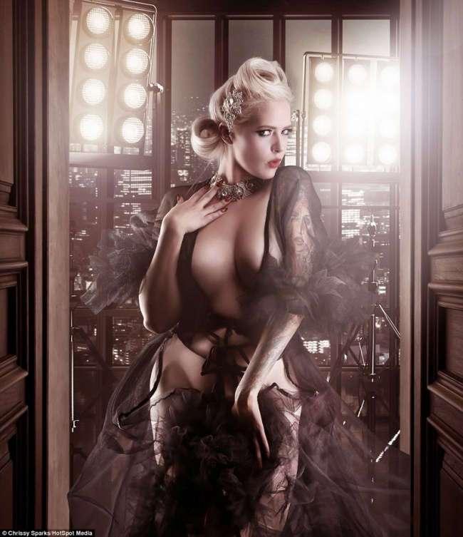 Фотограф превращает домохозяек в соблазнительных богинь