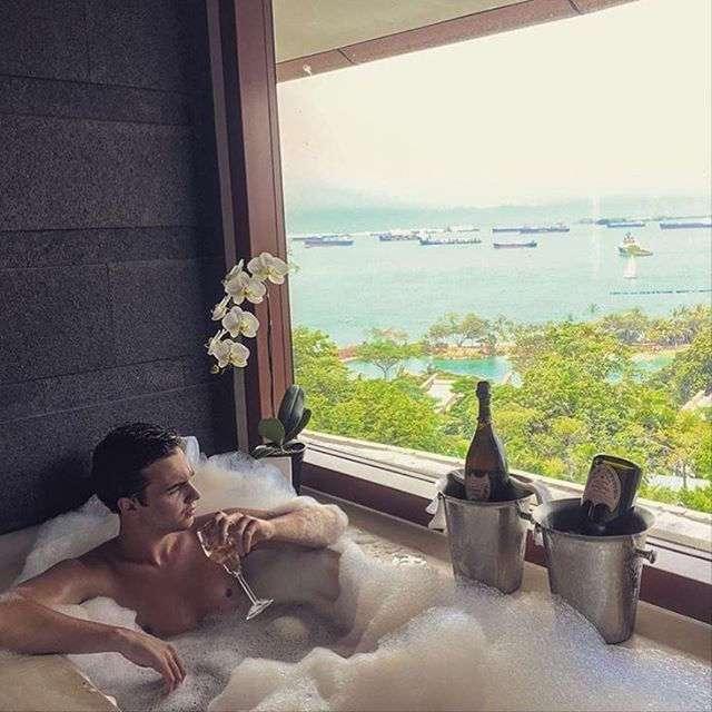 Богатенькие детишки Сингапура, самого дорогого города мира