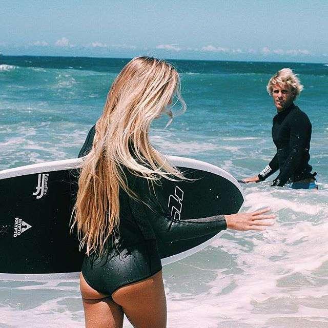 Сексуальный серфинг с Ханалей Репонти
