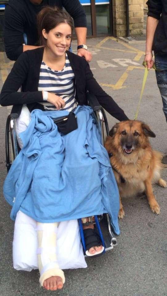 Врачи сказали девушке, что она больше не сможет ходить, но она доказала им обратное
