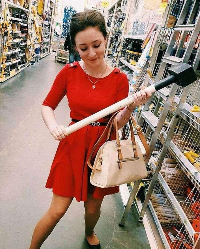 У тебя здесь нет власти: женщины в мужских магазинах