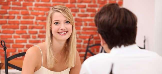Психологи объяснили, как понравиться на первом свидании