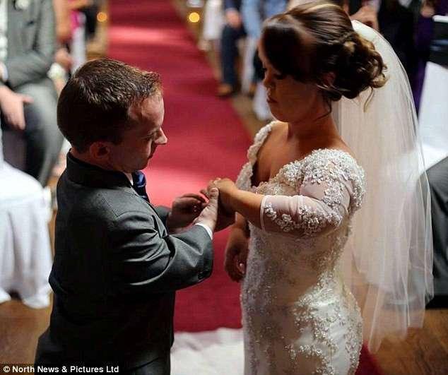 Сказочная свадьба пары карликов