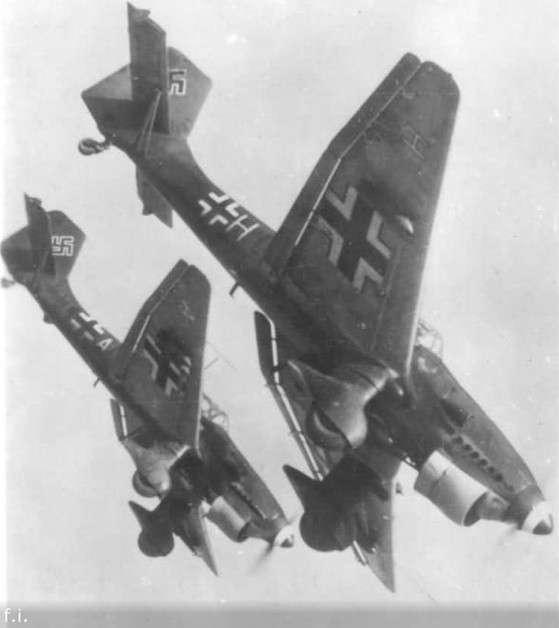 Как эскадрилья пикирующих бомбардировщиков врезалась в лес
