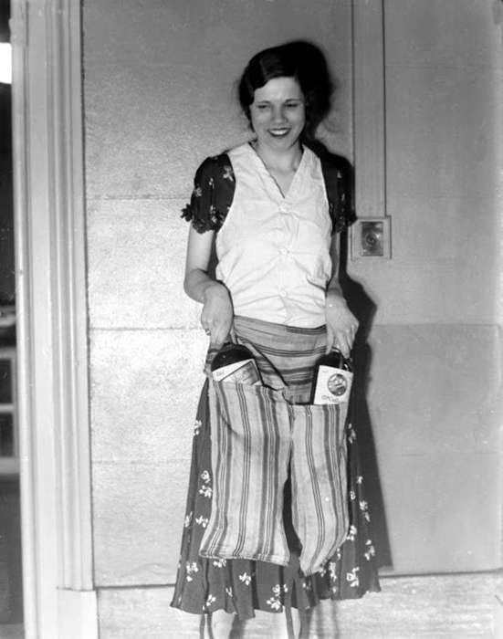 Голь на выдумки хитра: как женщины прятали алкоголь во времена сухого закона
