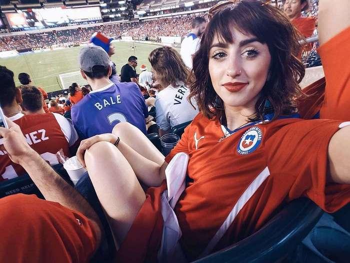 Горячие болельщицы Евро и Кубка Америки: кто красивее?