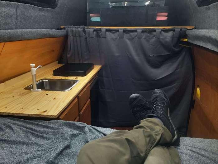 Домик на колесах из старого фургона