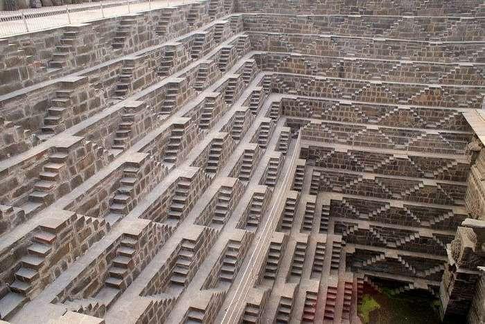 Чанд Баори — уникальный колодец