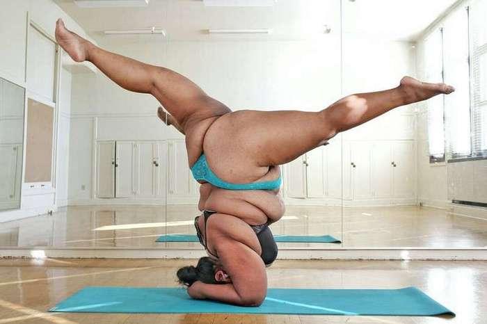 Эта полненькая йогиня — самый вдохновляющий человек на свете!