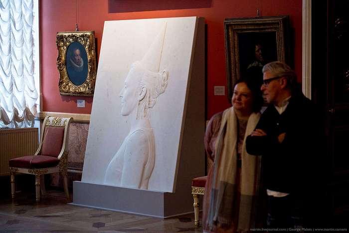 Как монтируют искусство в Эрмитаже