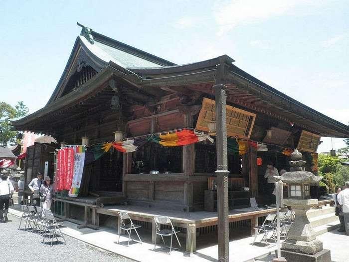 В Японии есть храм, посвященный женской груди, и это прекрасно