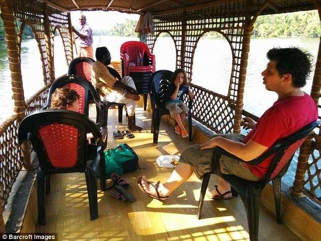 Британская семья решила не отправлять детей в школу, а поехать с ними в кругосветное путешествие
