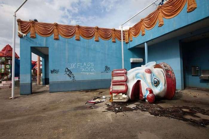 16 жутковатых фотографий покинутых парков развлечений