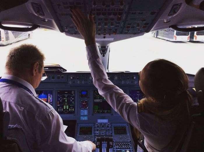 Девушка в 23 года стала пилотом Аэрофлота