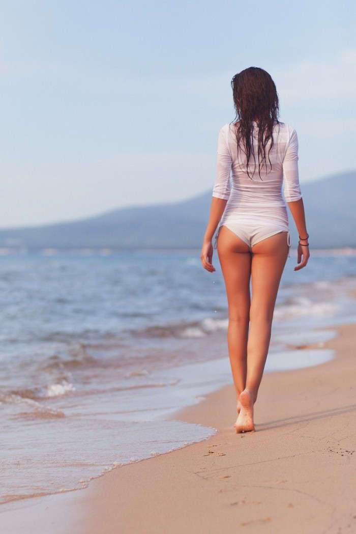 Изящные, красивые женские ноги