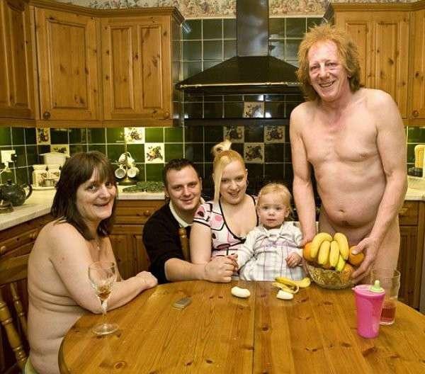 12 дурацких семейных фото, которые сложно забыть