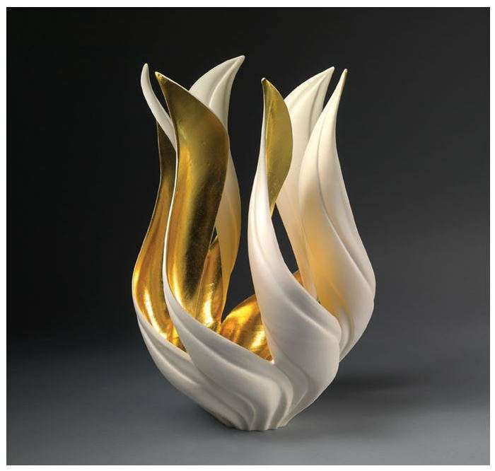 Белизна и золото McCurdy