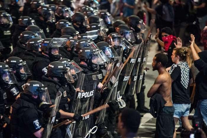 Гражданские беспорядки в США: Шарлотт в огне