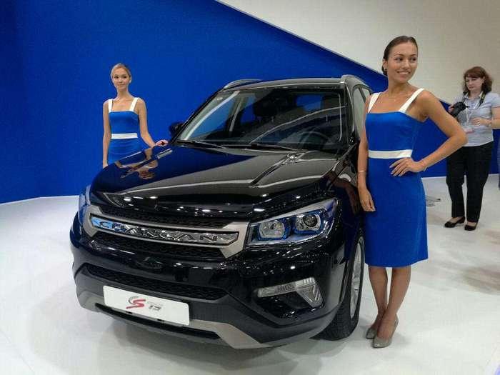 Девушки московского международного автосалона 2016