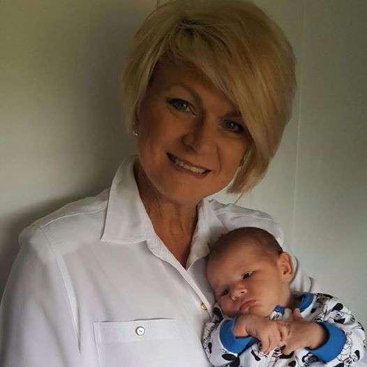 Эта женщина согласилась родить собственного внука, чтобы сделать дочь счастливой