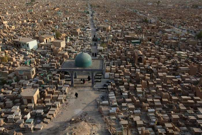 «Долина мира» — крупнейшее кладбище в мире