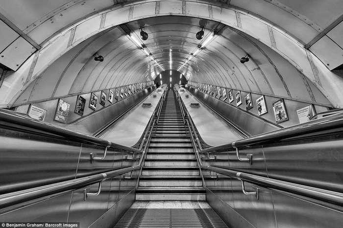 Не хватает только зомби: как выглядит Лондон в предрассветные часы