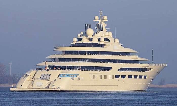 Новая яхта олигарха Усманова поставила мировой рекорд