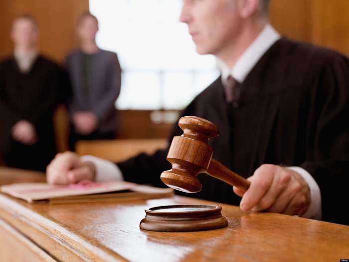 Реальные диалоги в зале суда, записанные судебными секретарями