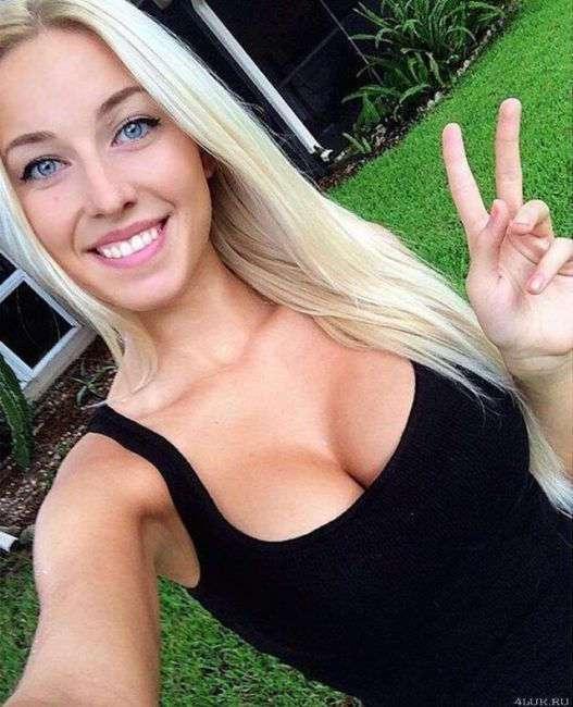 Легкомысленные, но соблазнительные блондинки