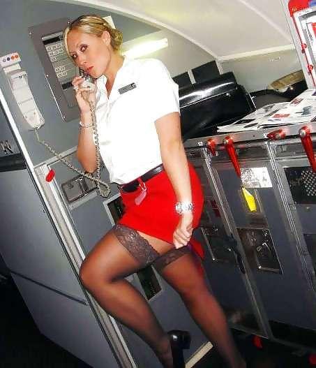 Стюардессы куражатся