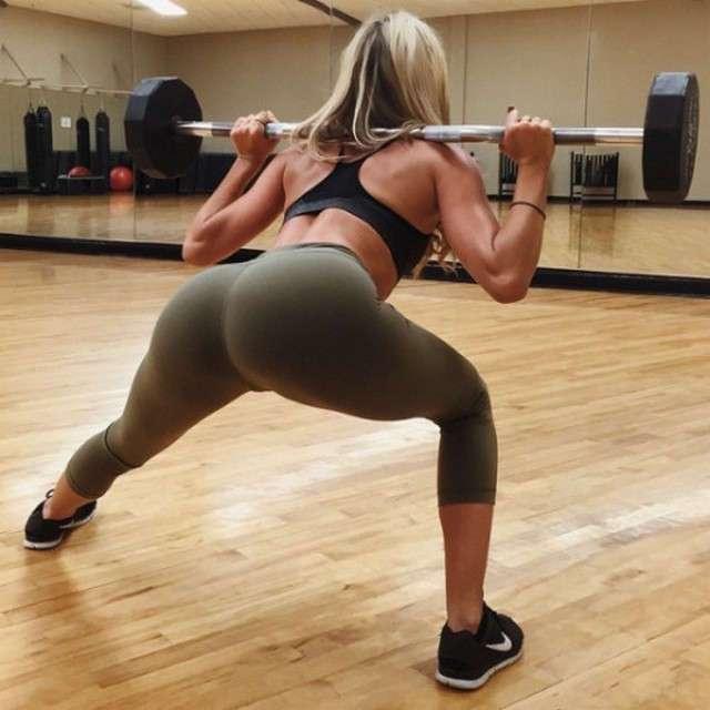 Увлекательная подборка сексуальных девушек в спортивных штанишках