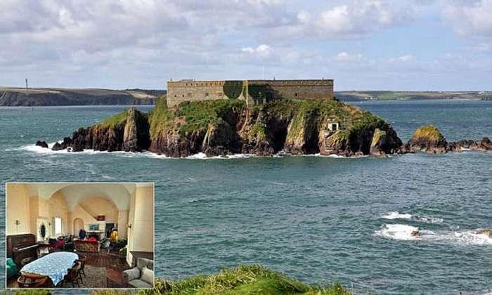 Налетай! Продается остров-отель в Уэльсе
