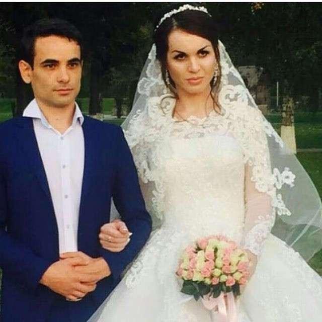 Дагестанец, сменивший пол, сыграл свадьбу на родине в присутствии родителей