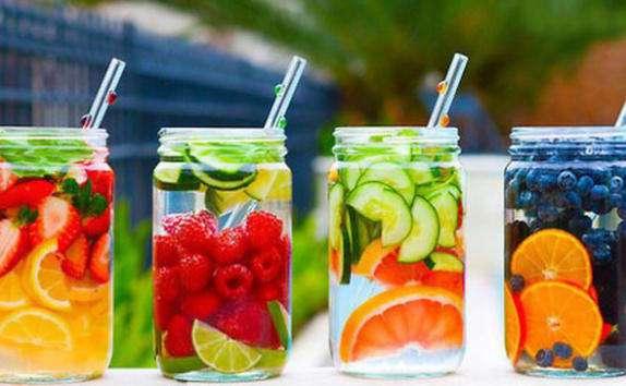5 рецептов детокс-воды для вашей красоты