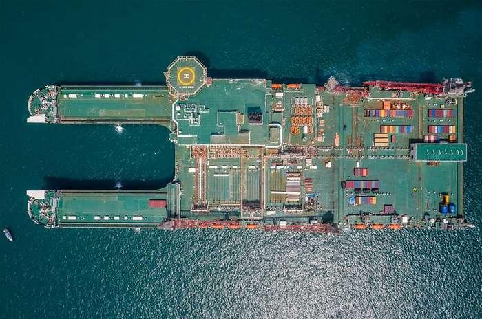 Первопроходец: самый большой корабль в мире